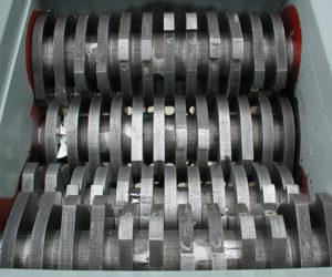 quad-shaft shredder