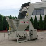 Quad-Shaft Shredder with Hydraulic Ram Assist and Cart Tipper